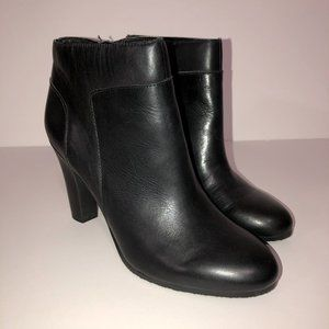 SAM EDELMAN Salina Black Leather Ankle Booties 9